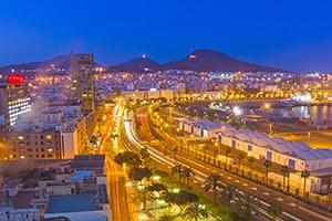 El Puerto district at night