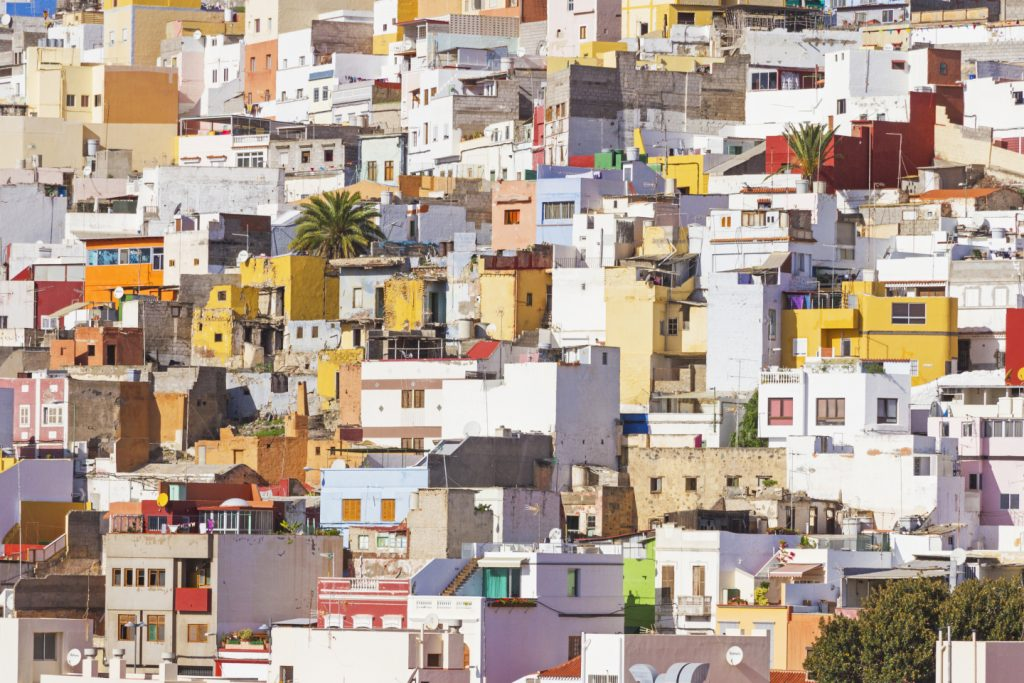 The Las Palmas building sector is waking up and license applications are growing fast
