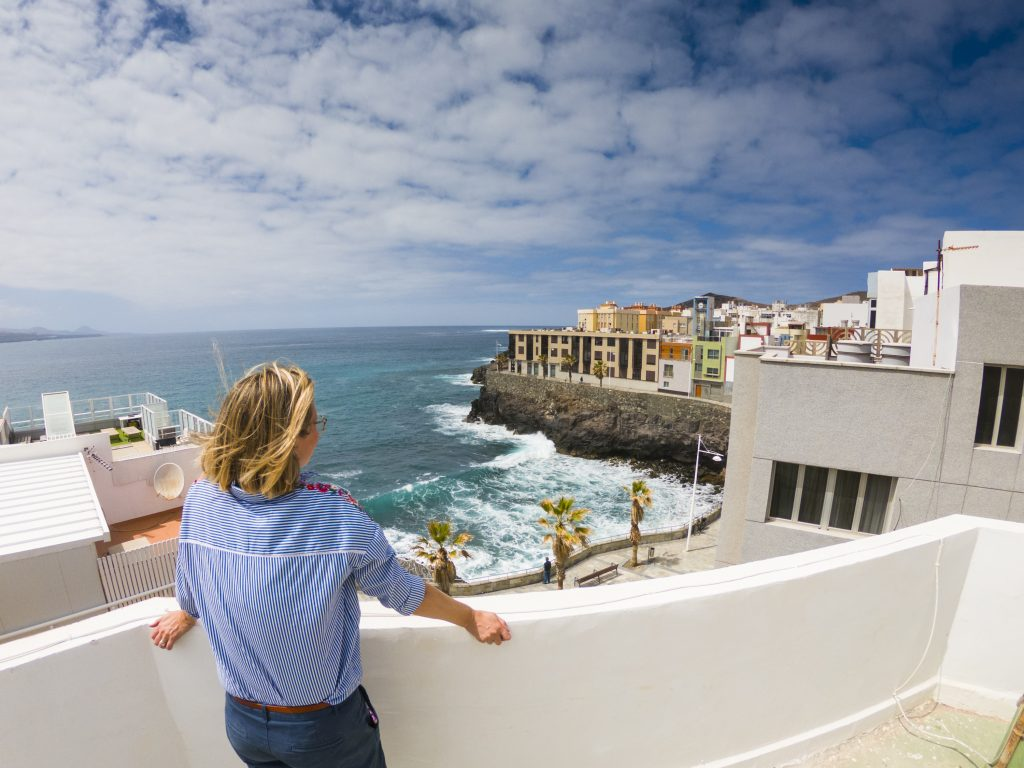 Three-bedroom Las Palmas seafront apartment for sale with beach view and roof terrace