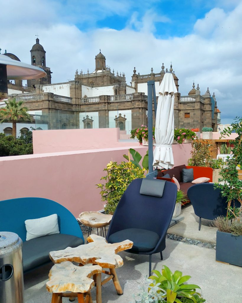 Rooftop bar at the Hotel 21 in Vegueta
