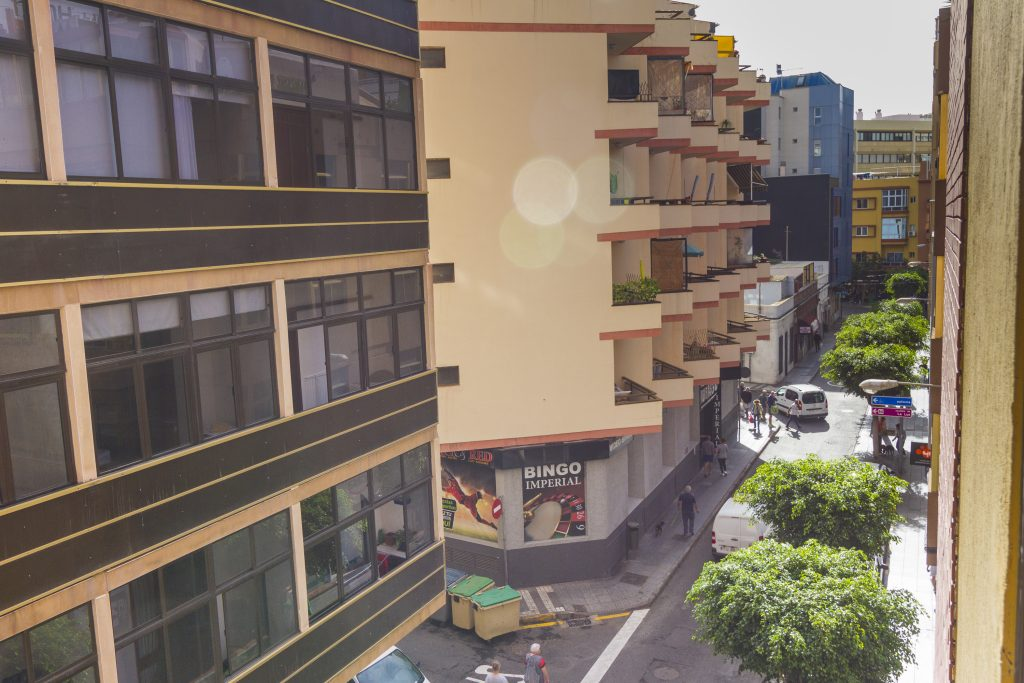 For Sale: Las Palmas studio on a street with pedestrian access to Las Canteras beach