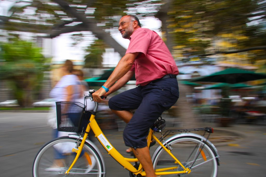 Las Palmas' expanding network of bicycle lanes is causing some controversy