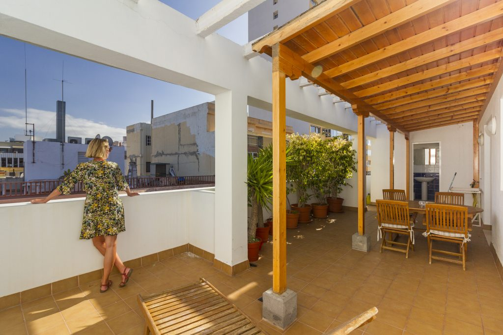 South-facing Las Palmas penthouse apartment sold by Laura Leyshion in 2019
