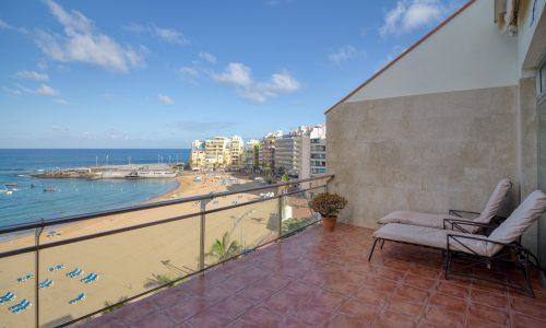 FOR SALE: Beachfront penthouse duplex in Las Palmas de Gran Canaria